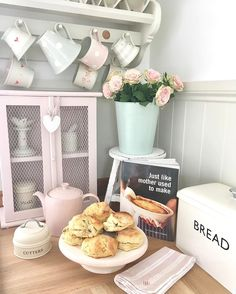 """443 Likes, 12 Comments - Pauline @hugsandhearts_ (@hugsandhearts_) on Instagram: """"Morning and Wishing you a bootiful weekend getting ready for Easter in the cottage, I still have a…"""""""