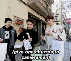EXO's Second Box : D.O. sharing with the cameraman (1/2)