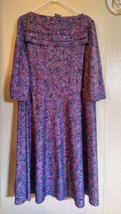 CASE WOMANS Plus Size Dress Size 22 1/2 Floral Purple Stretch Spring Dress #CaseFashions #AsymmetricalHem
