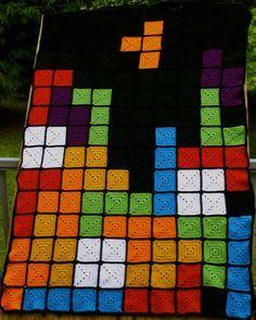 livelongandcarryyarn: bits extra de hilo de color? Cuadrados de la abuelita extra? This manta Tetris Seria Una Gran Manera de utilizarlo p ...