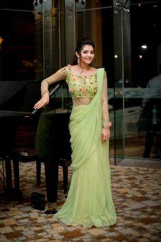 athulya ravi in green saree Designer Bridal Lehenga, Saree Draping Styles, Saree Styles, Drape Sarees, Dress Indian Style, Indian Dresses, Latest Wedding Dresses Indian, Indian Designer Outfits, Designer Dresses