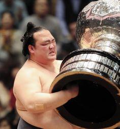 稀勢の里【涙の一問一答】「苦しかった分…うれしいです」 デイリースポーツ #相撲
