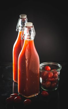 Barbecue-Sauce aus dem Thermomix® Hot Sauce Bottles, Grilling, Bbq, Drinks, Food, Tomatoes, Canning, Fresh, Food And Drinks