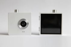 the duo camera by chin-wei liao splits in half  http://www.designboom.com/design/the-duo-camera-by-chin-wei-liao-splits-in-half/