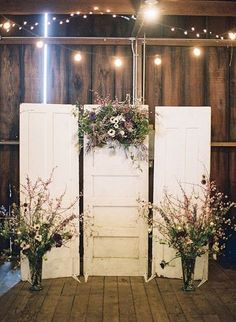 chic vintage old door wedding backdrop ideas with string lights