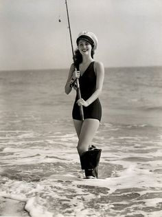 Ava Gardner #classic #film #OldHollywood #movies #cinema #vintage #icon #legend #actress #legendary #beauty #swimsuits