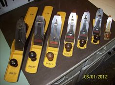Just curious, when you guys rehab old tools, do you repaint it the original color or do you customize? When I first got started in the cabinet shops I bought some old Stanley planes and totally restored them and tuned them up. Woodworking Planes, Woodworking Machinery, Woodworking Tools, Wood Plane, Old Tools, Knives, Diy And Crafts, Restoration, Brick