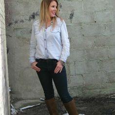 Love a good denim skinny! #ourlittlestoreboutique #utahboutiques #utahfashions #ootd #wiw #fashionable #feelgood #ordernow #weship  #outfit #details #accesorize @ourlittlestoreboutique #utahfashion #tellafriend #americanfork #utah #shopsmall #beyou #seeyousoon