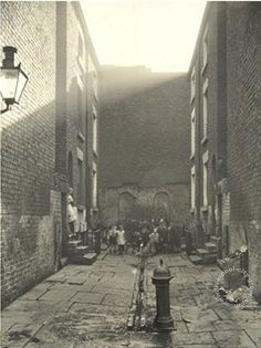 Old Photos of Liverpool, Maps and Liverpool History eBooks....No2 Court, Comer Street, 1933