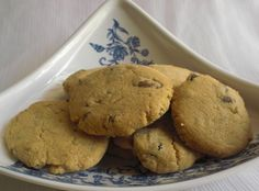 Peanut butter wholewheat cookies...easy peasy and just the right amount for an evening snack