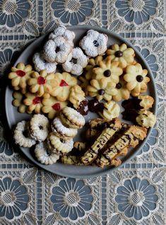 High Tea Cookies or Cookie Press Cookie Spritz Cookies, Tea Cookies, Cupcake Cookies, Cute Desserts, Delicious Desserts, Chilean Recipes, Chilean Food, Friend Recipe, Cookie Press