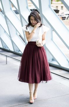 Bow tulle skirt, ruffle crop top, holiday outfit, petite fashion blog, Seattle Public Library