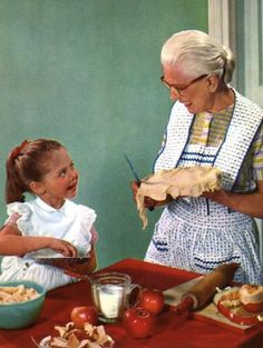baking with grandma and her apron Vintage Pictures, Vintage Images, Nostalgia, Vintage Housewife, Vintage Baking, Grandma And Grandpa, Domestic Goddess, The Good Old Days, Old Women