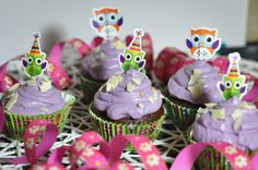 Cupcakes im Eulendesign - Cupcakes with Owls for kids and grown ups :) Owl Kids, Cupcakes, Grill, Owls, Desserts, Bbq, Cooking Recipes, Food, Owl Designs