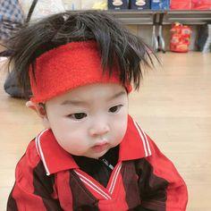 Cerita dari Jung Jaehyun, seorang suami sekaligus seorang ayah … #fiksipenggemar # Fiksi penggemar # amreading # books # wattpad Cute Baby Boy, Cute Little Baby, Little Babies, Cute Kids, Baby Kids, Cute Asian Babies, Korean Babies, Asian Kids, Cute Chinese Baby