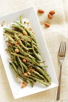 Baked Garlic Parmesan Almond Roasted Green Beans