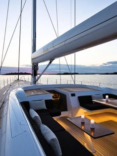Top Luxury Blue Cruise Charters with Boat & Yacht in Italy and France on Gulet Victoria & Alissa, come live the dream & make memories in Sardinia & Corsica. Yacht Design, Design Cars, Design Design, Boat Interior, Interior Design, Luxury Yacht Interior, Images Esthétiques, Yacht Boat, Sailboat Yacht