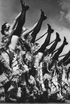 Dancers in a Paris cabaret by Jiru, Lilliput Magazine Jul-Dec 1939 Shall We Dance, Lets Dance, Cabaret, Old Photos, Vintage Photos, Le Burlesque, Folies Bergeres, Wow Photo, Dance Like No One Is Watching