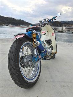 Custom Bobber, Custom Bikes, Barrel Of Monkeys, Honda Cub, 357 Magnum, Bobber Bikes, 911 Turbo, Mini Bike, Scooters