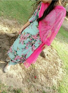 Dpz for girls Punjabi Salwar Suits, Designer Punjabi Suits, Patiala Suit, Indian Designer Wear, Cute Girl Photo, Girl Photo Poses, Girl Photography Poses, Kurti Sleeves Design, Casual Work Attire