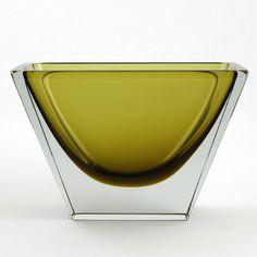 Harry Moilanen for Nuutajärvi Glass Vessel, Glass Art, Glass Design, Design Art, Beauty Magic, Glass Texture, Antique Glass, Murano Glass, Scandinavian Design