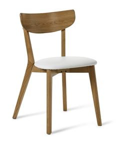 Retro stol i lättskött lackerad massiv/fanerad ek. Sits i praktisk konstläder. Komplettera gärna med tillhörande matbord, förvaringsmöbler samt soffbord och mediabänk.