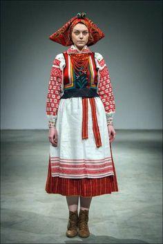 Жіноче святкове вбрання. Західне Полісся - Рівненська обл.
