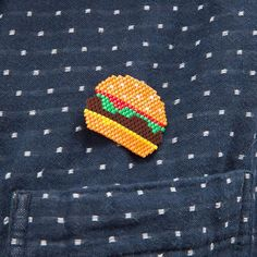 mon #burger porté sur une chemise ! miam #motifstudiobalthazar #motifb_l_a_c_k_p_e_a_r_l