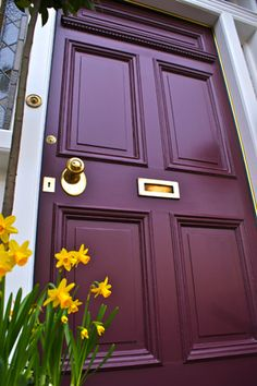 Front Door Paint Colors - Want a quick makeover? Paint your front door a different color. Here a pretty front door color ideas to improve your home's curb appeal and add more style! Purple Front Doors, Best Front Doors, Front Door Paint Colors, Purple Door, Painted Front Doors, Front Door Decor, Wall Colors, Paint Colours, Paint For Front Door
