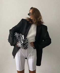 Zara Fashion, 70s Fashion, High Fashion, Edgy Outfits, Classic Outfits, Fashion Outfits, Mode Dope, Zara Outfit, Grown Women