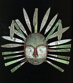 Alutiiq Sugpiaq ceremonial mask acquired by Alphonse Pinart (French Explorer), in 1875 in the Kodiak Archipelago, Alaska. Arte Inuit, Inuit Art, African Masks, African Art, Larp, Native American Masks, Live Action, Art Populaire, Art Premier