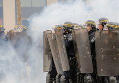 Fransa'da sokaklar savaş alanına döndü | yazarhep.com | Güncel Haberler, Son Dakika Haberleri - Sayfa 7
