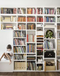 Image 4 of 64 from gallery of Home Library Architecture: 63 Smart & Creative Bookcase Designs. Little House Big City / Office of Architecture. Cozy Library, Library Room, Floor To Ceiling Bookshelves, Brooklyn House, Brooklyn Library, Narrow Rooms, Narrow House, Library Architecture, Architecture Design
