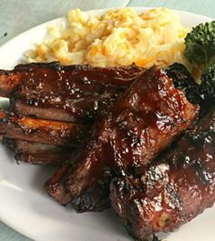 Fall Off The Bone BBQ Ribs on SixSistersStuff is the perfect fathers day recipe! day dinner recipes Fall Off The Bone BBQ Ribs Grilling Recipes, Pork Recipes, Slow Cooker Recipes, Cooking Recipes, Budget Recipes, Chicken Recipes, Chicken Dips, Smoker Recipes, Cooking Games