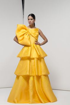 Taffeta Dress, Satin Dresses, Elegant Dresses, Beautiful Dresses, Colourful Outfits, Colorful Fashion, Kpop Fashion Outfits, Fashion Dresses, Victor Ramos