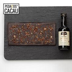 Para um Pai Sofisticado info@pedacosdecacau.pt Chocolates, Mini Bottles, Wine Decanter, Cocoa, Pai, Chocolate, Brown