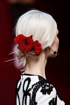 Dolce and Gabbana rose comb