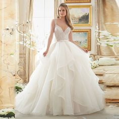 Top Quality Lace And Tulle Princess Ball Gown Wedding Dress With Spaghetti Straps Chapel Train Bridal Gowns Vestido De Novia