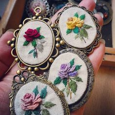 6,009 Likes, 136 Comments - 刺繡作家 王瓊怡 Joanne (@up_in_the_hill) on Instagram