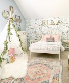 Today is a super fun day because I get to share with you guys my daughter's bedroom makeover reveal. This little girl bedroom makeover is one of my favorites fo Big Girl Bedrooms, Small Room Bedroom, Little Girl Rooms, Bedroom Ideas, Small Rooms, Master Bedroom, Master Suite, Modern Bedroom, Contemporary Bedroom