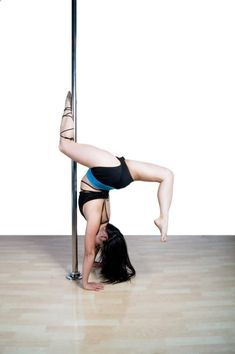Pole Dancing Fitness: It's Not Just for the Stripclub | Farrah @ fairyburger #poledancing #fitness