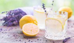 Lehký levandulový sirup - recept. Přečtěte si, jak jídlo správně připravit a jaké si nachystat suroviny. Vše najdete na webu Recepty.cz. Lavender Collins Recipe, Lavender And Lemon, Culinary Lavender, Drinking Lemon Water, Natural Headache Remedies, Infused Water Recipes, Menu, Complete Recipe, Honeymoons