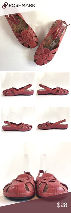 """Bare Traps Pink Leather Sandals Womens Size 9 M Bare Traps Leather Sandals  FEATURES:  Soft and Durable Pebbled Leather; """"FOLLOW"""" Style; Closed Toe; Strappy, Woven Style; Self Covered Low Wedge Heel; Slingbacks with Silver Buckle Closure; Size 9; Rose Pink with White Topstitching Good Pre-Owned Condition - Inner part of back strap of left shoe has pulled from stitching in a small area at the bottom of the strap, near instep- see last photo. Not visible from outside of shoe. Comes from…"""