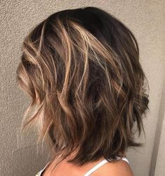 Medium Layered Brunette Hairstyle If you liked this … - Schulterlange Haare Ideen Medium Length Hair Cuts With Layers, Medium Hair Cuts, Medium Hair Styles For Women With Layers, Cuts For Thick Hair, Medium Hair Length Styles, Medium Choppy Hair, Cheveux Ternes, Haircut For Thick Hair, Haircut Medium