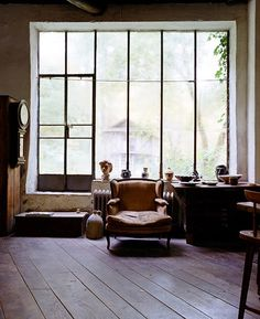 a collection of interior inspiration imagery Huge Windows, Black Windows, Ceiling Windows, Windows And Doors, Metal Windows, Industrial Windows, Industrial Loft, Industrial Bedroom, Design Industrial
