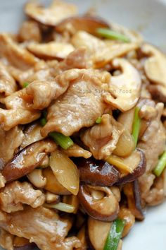Check it out pork and mushroom stir fry (reduce carbs by using xanthan gum instead of cornstarch) The post Pork and Mushroom Stir Fry appeared first on Recipes . Check it out pork and mushroom stir fry (reduce carbs by using xanthan gum inste. Healthy Diet Recipes, Meat Recipes, Chicken Recipes, Vegetarian Recipes, Rabbit Recipes, Recipies, Delicious Recipes, Tasty Recipe, Stir Fry Recipes