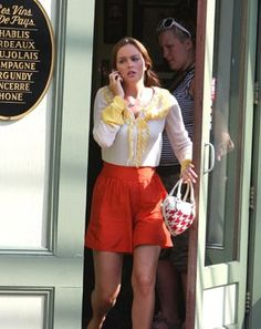 Abigail Lorick shorts and Sperry loafers Blair Waldorf Outfits, Blair Waldorf Gossip Girl, Blair Waldorf Style, Gossip Girls, Gossip Girl Fashion, Spring Summer Fashion, Spring Outfits, Preppy Wardrobe, Blair And Serena