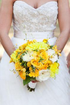 Bright & cherry yellow bouquet #wedding