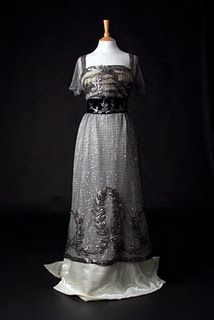 Reproduction of Lady Maude's 1909-1910 dress.