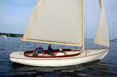 """F&W Alerion - """"Belle Luna"""": New Alerion-based Daysailer From French & Webb and Chuck Paine Sailing Dinghy, Classic Yachts, Twin Brothers, Small Boats, Boat Building, Rowing, Solar Panels, French, Bristol Channel"""